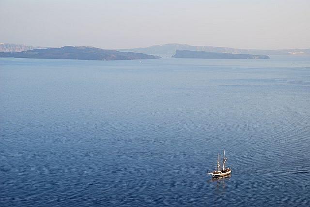 LoneSailboat, Santorini, Greece