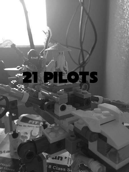 21 pilots by ElizabethChiroque6827