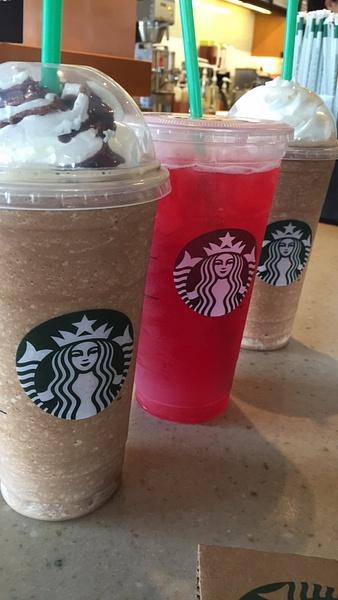 Starbucks by AndresRuvalcaba