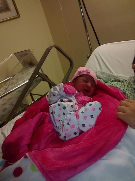 niece new born by AndresRuvalcaba