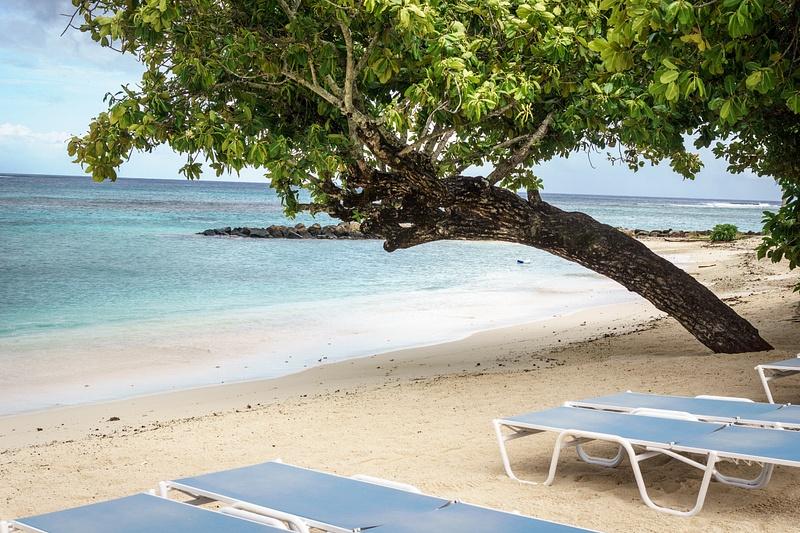 beach Huahine