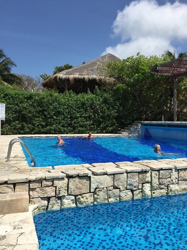 Chillin in pool Isla