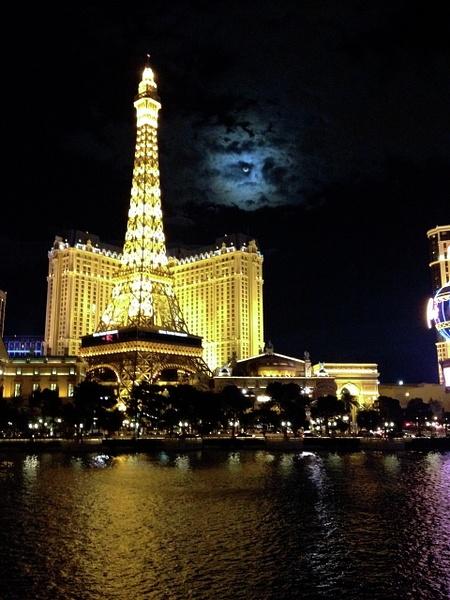 Paris in las Vegas by PrismOptics