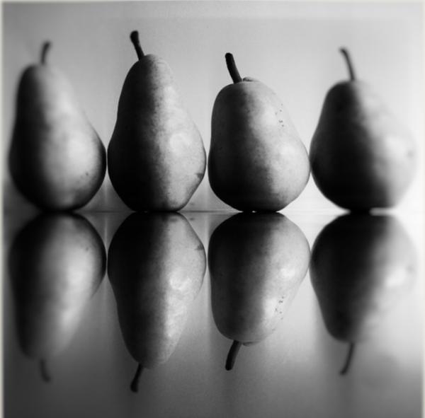 pear silhouette by Gabriel le Roux