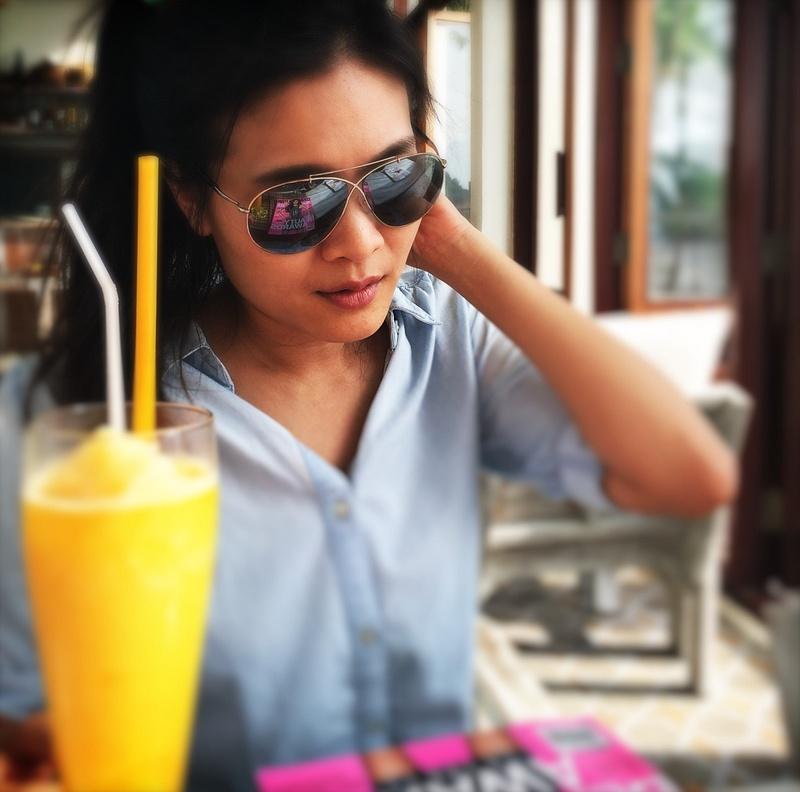 thai model and frozen orange