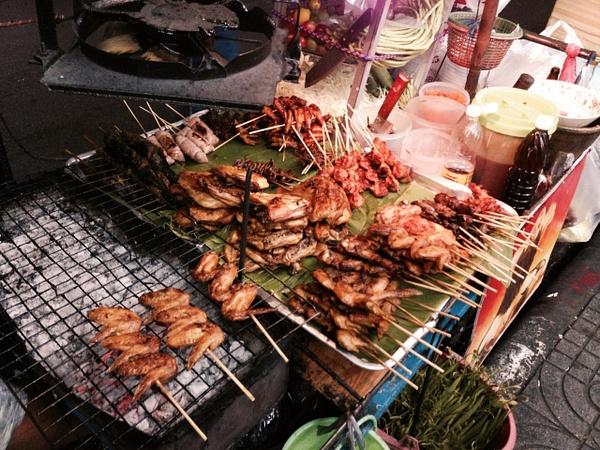 bangkok street food by Gabriel le Roux
