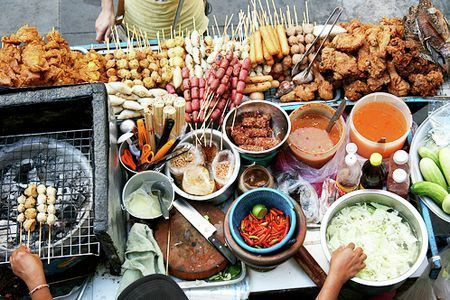 thailand bangkok street food by Gabriel le Roux