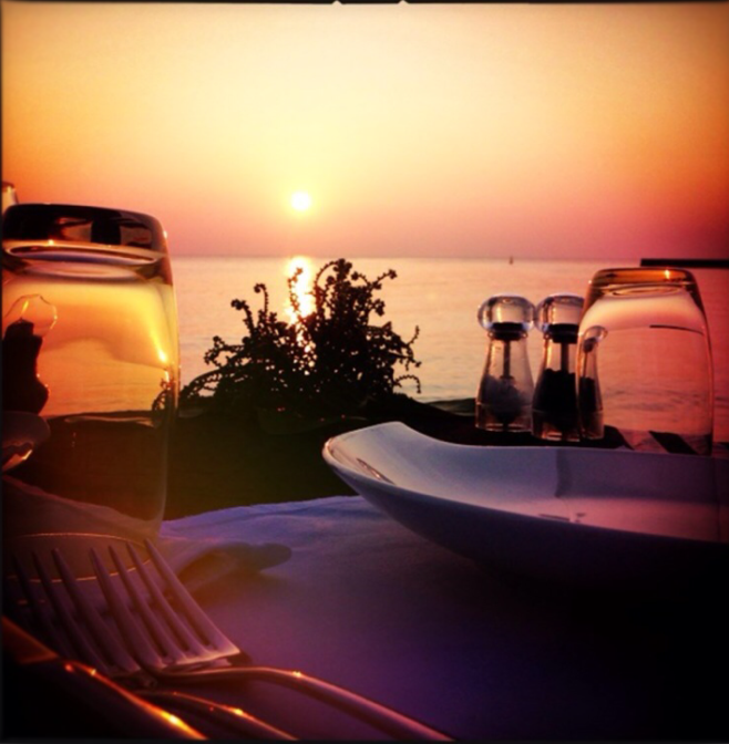 romantic_sunset_dinner