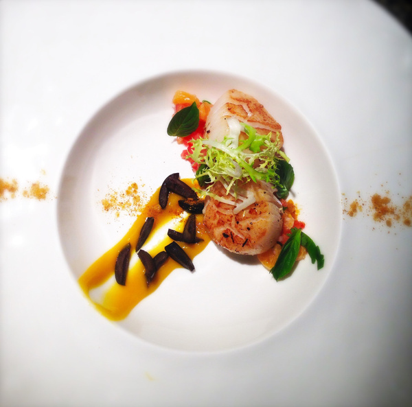 citrus scallops, salted olives by Gabriel le Roux
