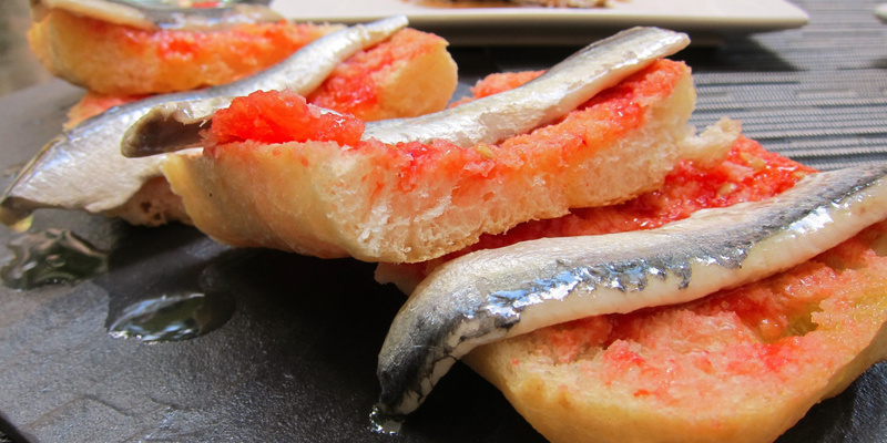 sardines and tomato bred