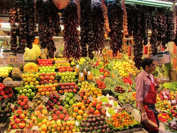 fruit market spain by Gabriel le Roux