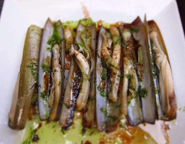 razor clams by Gabriel le Roux