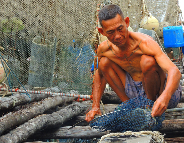 old fisherman by Gabriel le Roux
