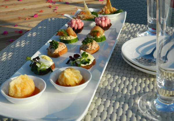 the deck sunset canapes by Gabriel le Roux