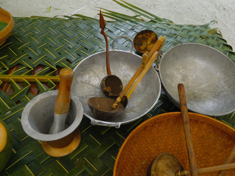 traditional maldivian cooking utensils