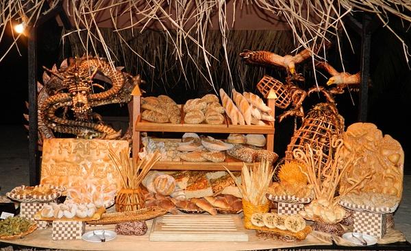 bread display by Gabriel le Roux