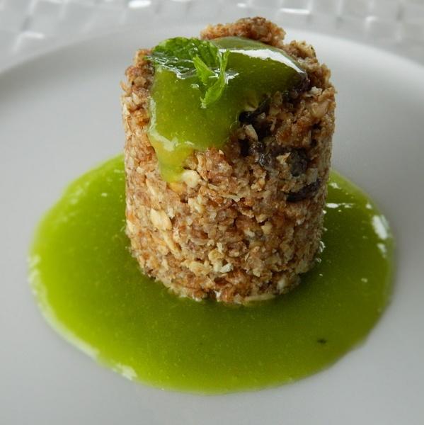RAW food granola bar by Gabriel le Roux