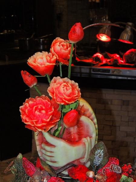 valantine fruit carving by Gabriel le Roux