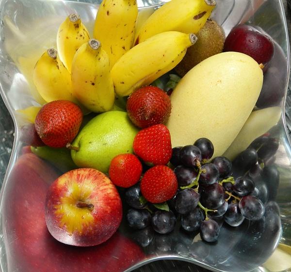 new arrival fruit platter by Gabriel le Roux