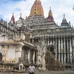Myanmar-ThadingyutLightingFestival