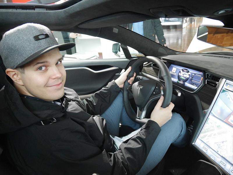 Teslan ratissa