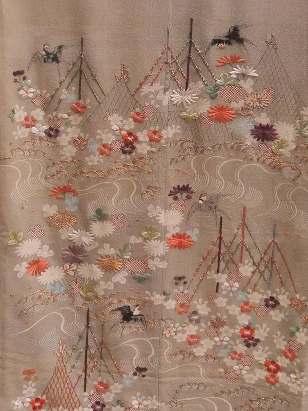 Kuviointia Edo ajalta. Kaunis kangas. Saisipa Suomessakin tällaisia kaupasta.