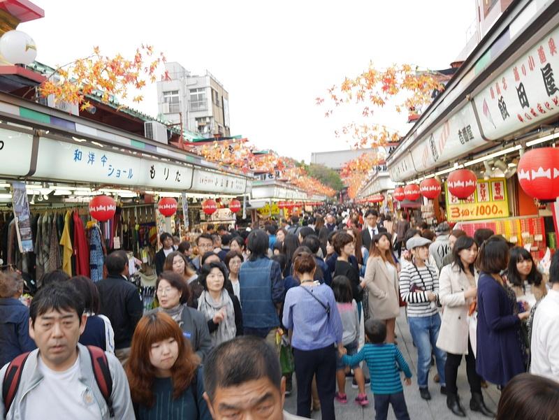 Turistivyöry lauantaimarkkinoilla
