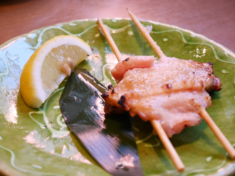 Kaikki tekstit oli japaniksi ruokalistalla. Jotain herkullista lihaa tämä oli.