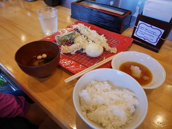 Tempura-ruokaa! Tällä kertaa tarkistettiin jälkeenpäin mitä tuli syötyä - Pallokalaa, ankeriasta ja jättiläiskatkarapua by hannajamikko