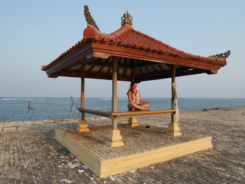 Meditointia merellä.