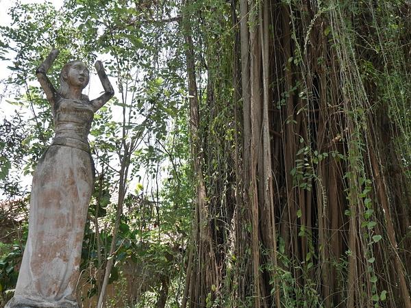 Kummituskylä oli täynnä hylättyjä suihkulähteitä, patsaita, rakennuksia, teattereita ja tarkkoja mosaiikkiyksityiskohtia. by hannajamikko