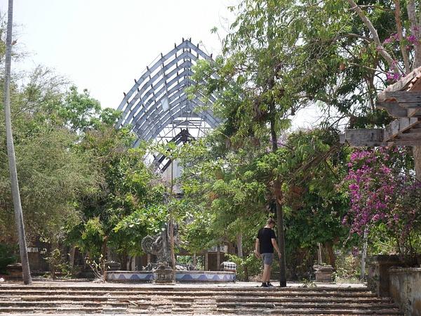 Puiston koko on vaikea kaapata, mutta se oli valtava ja tuntui kuin olisi Jurassic Parkissa kävellyt. Ketään muita ei ollut p by hannajamikko