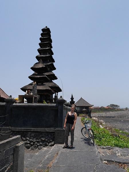 Pura Campuhan Padanggalak niminen palvontapaikka. Teimme päiväretken pyörillä. by hannajamikko