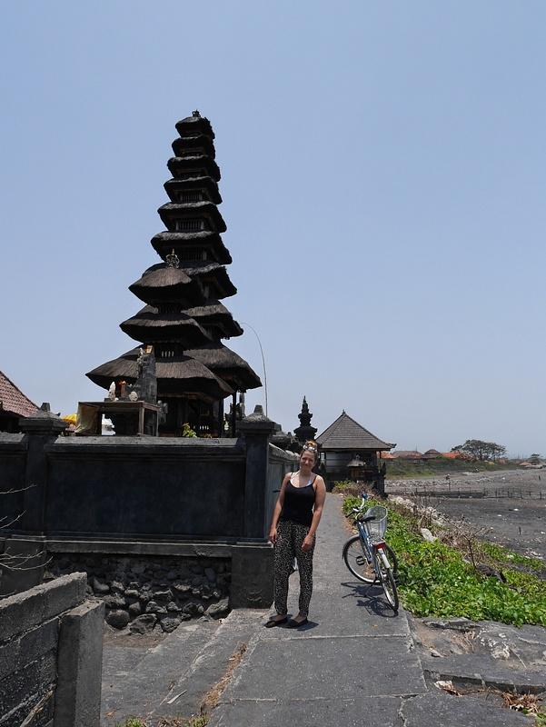 Pura Campuhan Padanggalak niminen palvontapaikka. Teimme päiväretken pyörillä.