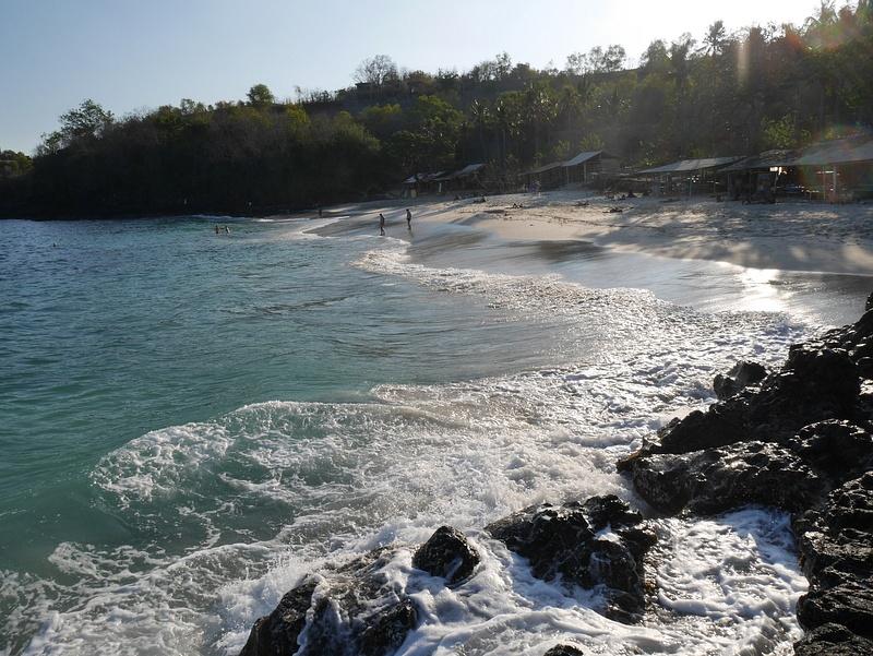 Padangbain White Sand Beach ja merikilpikonnien kanssa uimista.