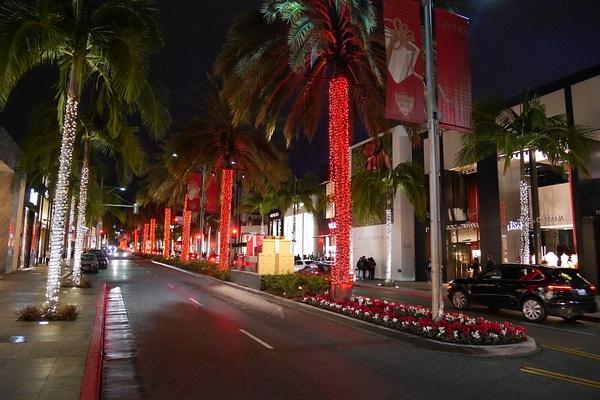 Joulukuusia Beverly Hillsin tyyliin. by hannajamikko