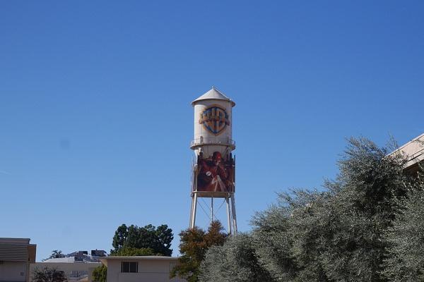 Warner Bros torni by hannajamikko