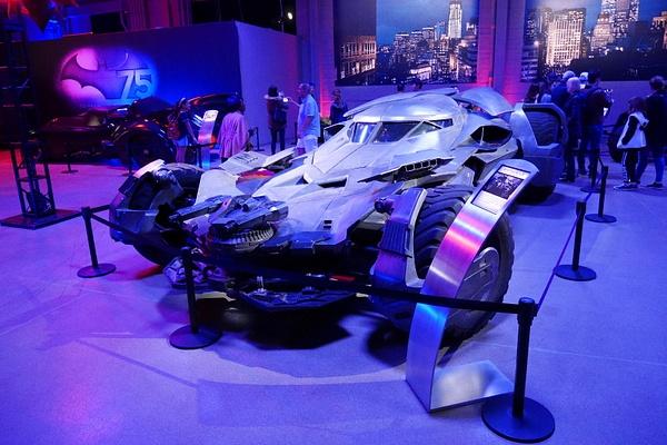 Ben Affleckin sekä Michael Keatonin Batman-auto by hannajamikko
