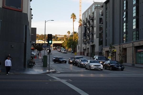 Hollywoodin katunäkymää kyltteineen kaikkineen by hannajamikko