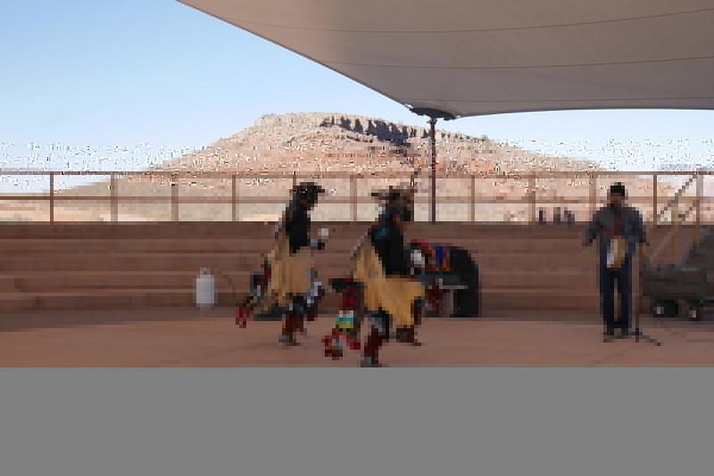 Alkuperäisamerikkalainen tanssi ja laulu