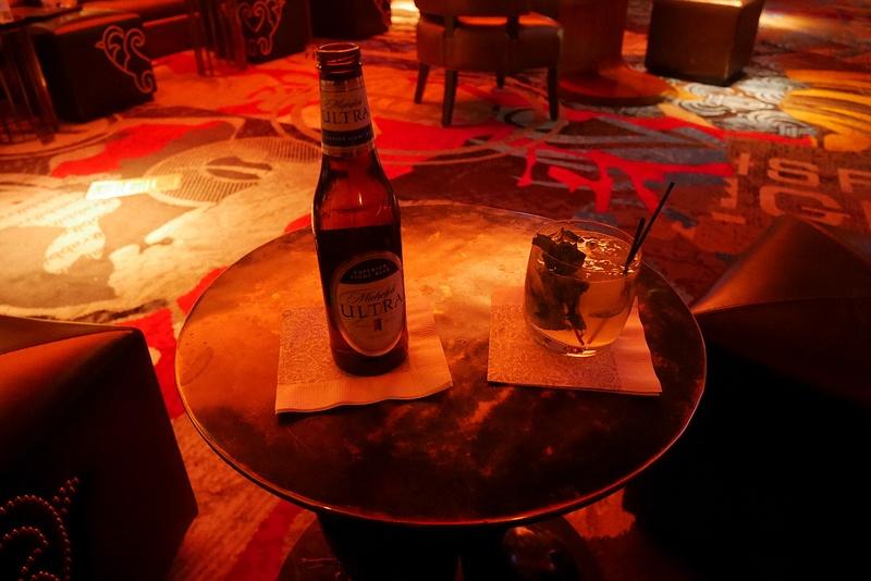 Amerikkalainen olut ja Mojito Cosmopolitan Casinolla