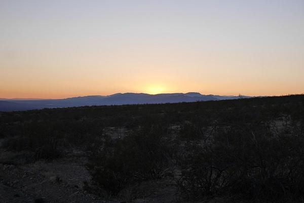 Auringonlasku toi mukanaan koko väripaletin. by hannajamikko