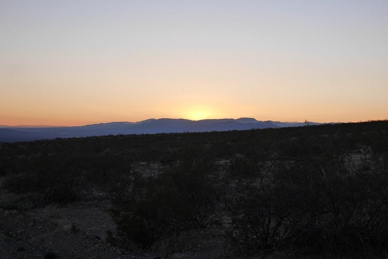 Auringonlasku toi mukanaan koko väripaletin.