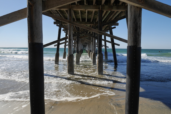 Newport Beach Pier by hannajamikko