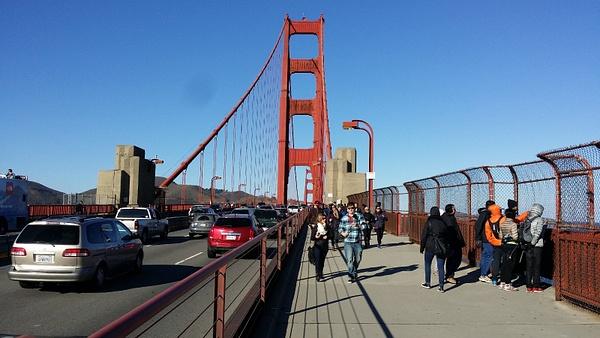 Uuden vuoden päivän kävely Golden Gate sillalla by hannajamikko