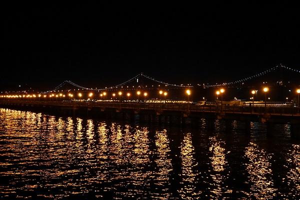 Bay Bridge uuden vuoden yönä by hannajamikko