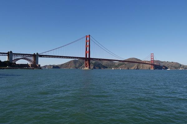 Mm. elokuvista tuttu Golden Gate aurinkoisena päivänä by hannajamikko