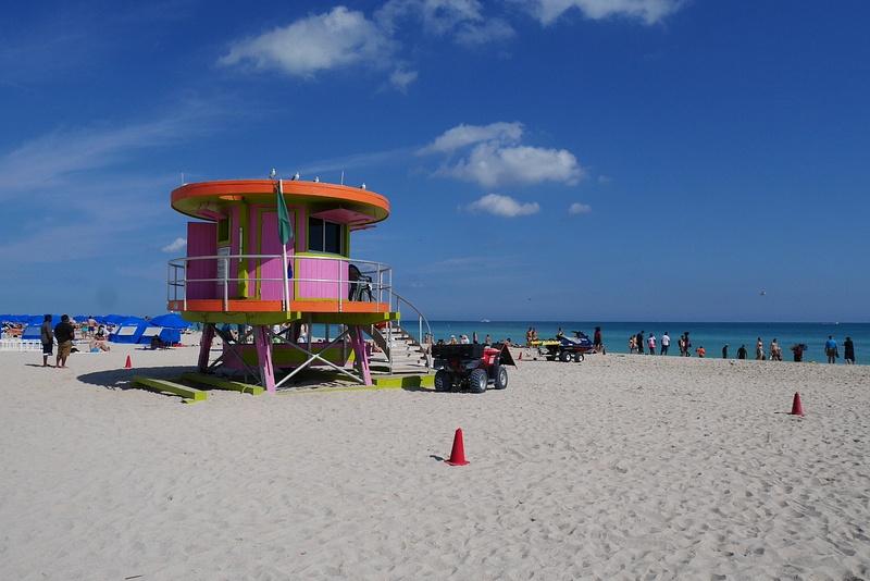 Jopa hengenpelastuskopit olivat Miamin väreissä