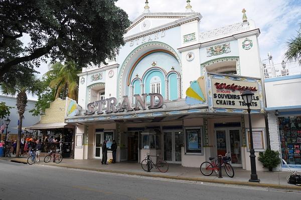 Vanha elokuvateatteri by hannajamikko