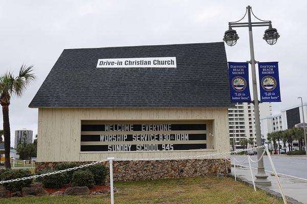 Drive-in kirkko by hannajamikko
